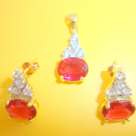 Earring and pendent set