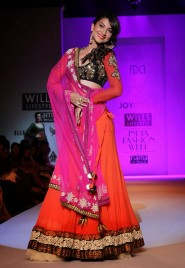 Guhar Khan In Orange And Pink Designer Lehenga At WIFW