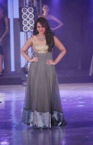 Sonakshi Sinha Gray Anarkali In IIBS Fashion Show